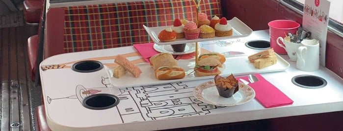 BB London Afternoon Tea Bus is one of London☕️🍫🍨.