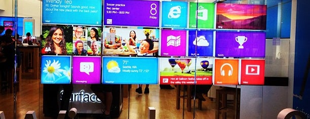 Microsoft Store is one of Alberto J Sさんのお気に入りスポット.