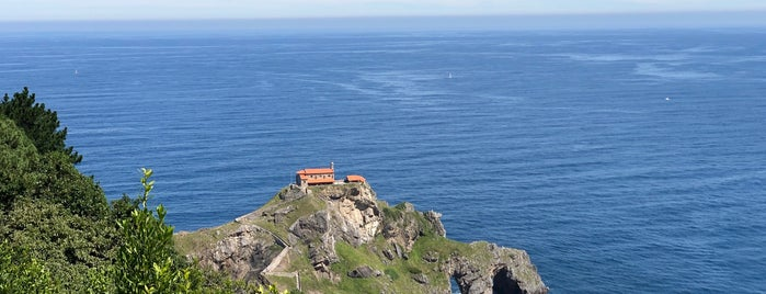 Gastelugatxe is one of Spanien.