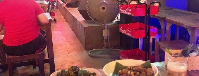 เสวนา bar & restaurants is one of Samui.