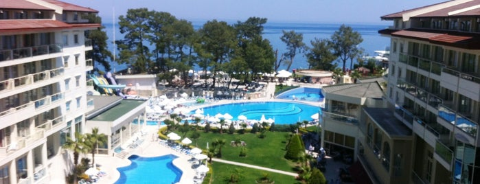 Kemer Resort Hotel is one of Oteller.