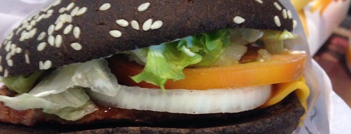 Burger King is one of Locais curtidos por Thiago.