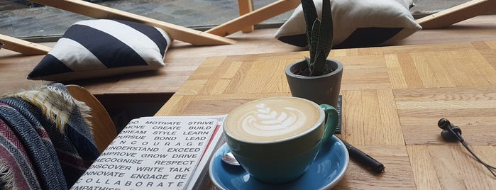 Spontan Coffee is one of Posti salvati di Önder.