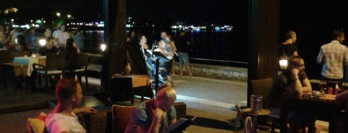 Side Beach Club is one of Ahmet'in Kaydettiği Mekanlar.
