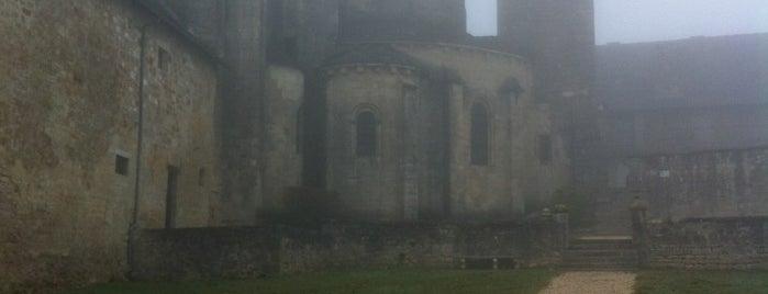 Saint-Robert is one of Les plus beaux villages de France.
