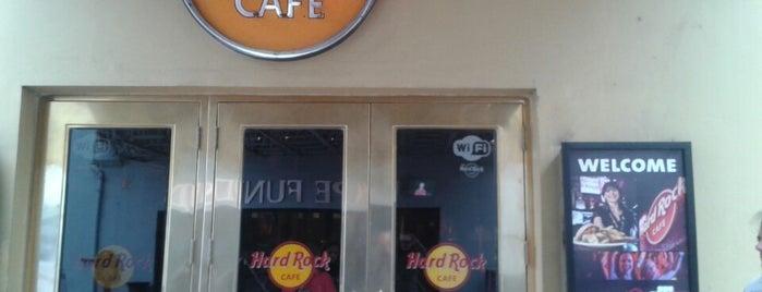 Hard Rock Cafe Buenos Aires is one of Algunos LUGARES en el mundo para volverte loco..