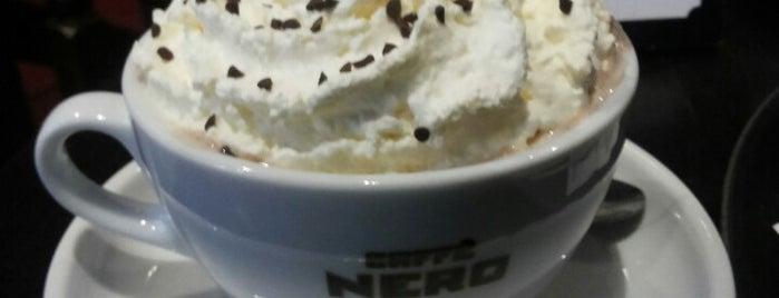 Caffè Nero is one of Lugares favoritos de Manuel.
