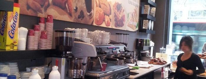 Tartine Café is one of Lieux qui ont plu à Lupe.