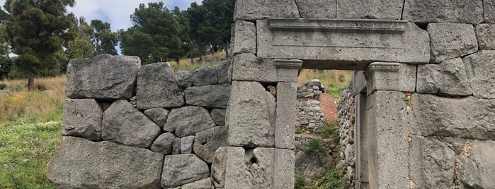 Tempio di Diana is one of Scicily guide.