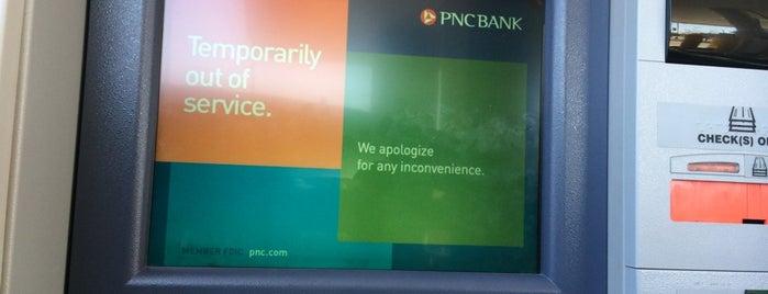 PNC Bank is one of Locais curtidos por Sasha.