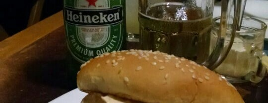 V8 Burger & Beer is one of Gordinhos recommends!.