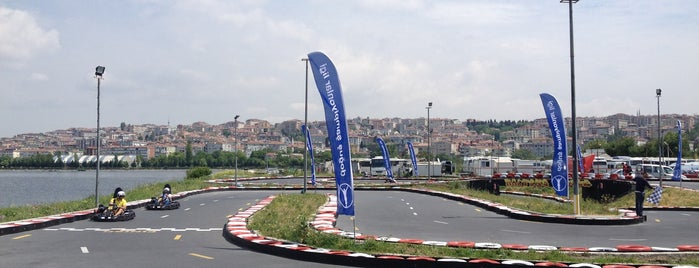 İstanbul Karting Club is one of Tempat yang Disukai Kubilay.