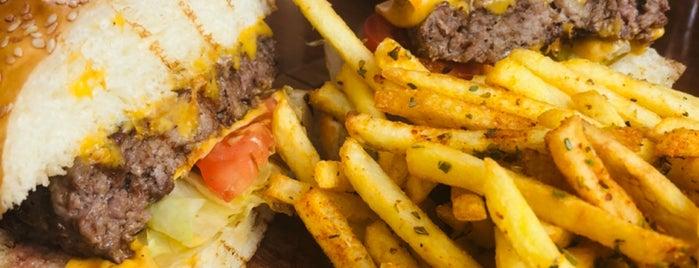 Vitello Steakhouse is one of Locais curtidos por k&k.