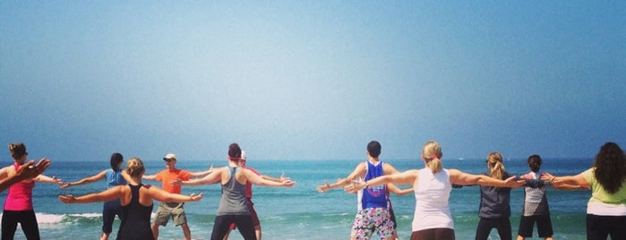 beach yoga with brad is one of LA list.