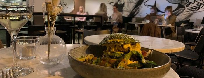 Green Hippo Café is one of Helsinki.
