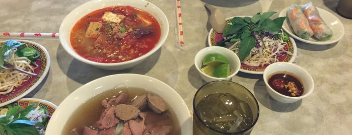 Pho Pasteur 2 is one of Elaineさんのお気に入りスポット.
