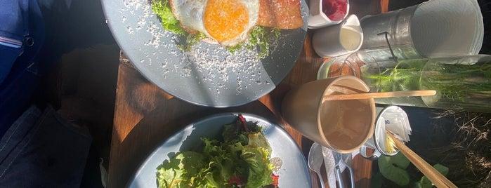 Petit Roquefort Juárez is one of Food Morning 🥞✨💖.