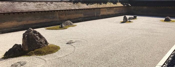 Ryoan-ji Rock Garden is one of Lieux qui ont plu à Eric.