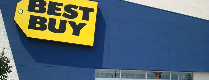 Best Buy is one of Chris'in Beğendiği Mekanlar.