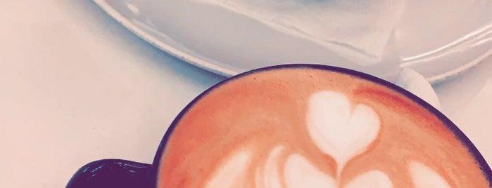 Caffè Di Classe is one of สถานที่ที่บันทึกไว้ของ Queen.