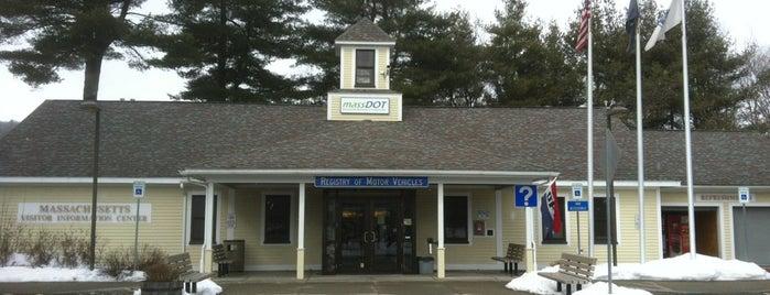 Massachusetts Visitor Information Center is one of John'un Beğendiği Mekanlar.