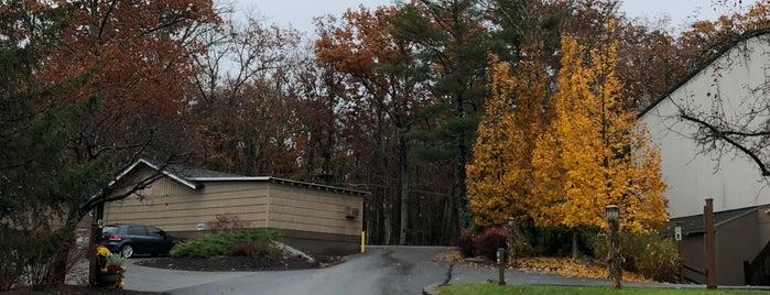 Woodloch Main Lodge is one of gui'nin Beğendiği Mekanlar.