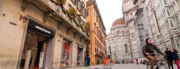Universo Sport Firenze_Duomo is one of Lieux qui ont plu à Viola.
