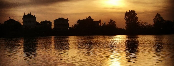 Nehir Çay Bahçesi is one of Batı Karadeniz Yemek-Plaj.