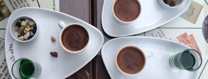 Cafe Sim is one of Locais curtidos por ASLI.