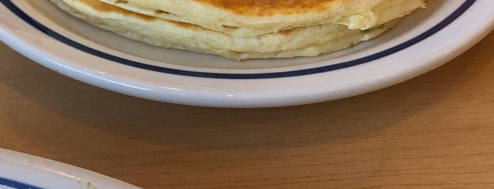 IHOP is one of Moniqueさんのお気に入りスポット.