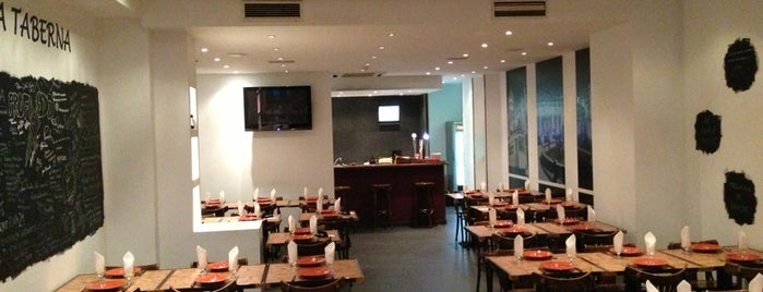 Taberna 21 is one of Restaurantes.