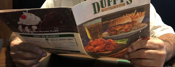 Duffy's Sports Grill is one of Val 님이 좋아한 장소.
