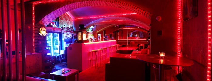 Neon Club Prague is one of strip clubs 3 XXX.