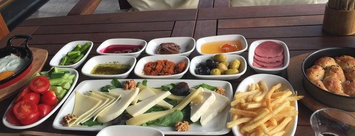Meloon Coffee & Food is one of İSTANBUL (2) GURME MEKANLARI (devamı).