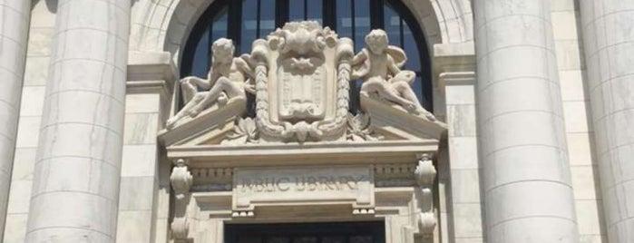 Apple Carnegie Library is one of Matt 님이 좋아한 장소.