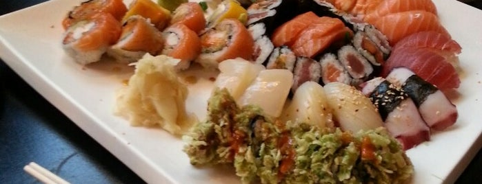 Sweet Sushi is one of Lugares favoritos de Jan.