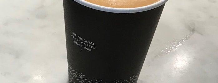 Peet's Coffee & Tea is one of สถานที่ที่ Sergio M. 🇲🇽🇧🇷🇱🇷 ถูกใจ.