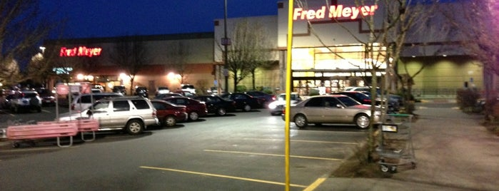 Fred Meyer is one of Mark 님이 좋아한 장소.