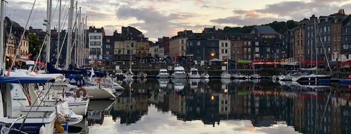 Quai Saint-Étienne is one of Normandie Trip.