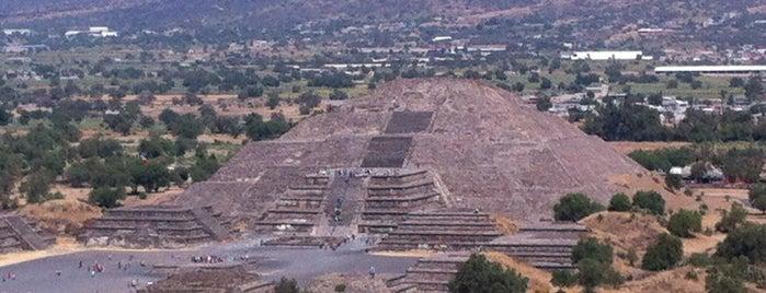 Zona Arqueológica de Teotihuacán is one of Sitios Internacionales.