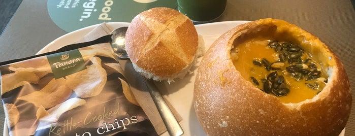 Panera Bread is one of Locais salvos de Shandi.