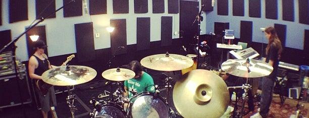 Mates Rehearsal Studios is one of Lieux qui ont plu à Chez.