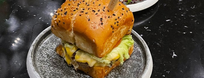 Wagyu Burger is one of Date night.