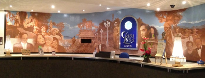 Clara Luna Hotel is one of Locais curtidos por R.