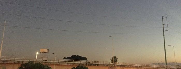 Puente Iteso is one of Orte, die Osiris gefallen.