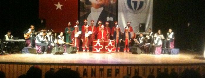 Gaziantep Üniversitesi AKM is one of Lugares favoritos de Mustafa.