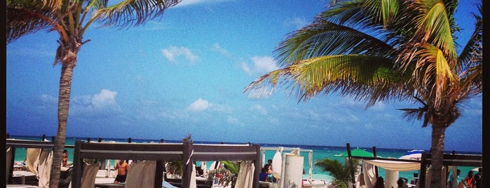 Mamita's Beach Club is one of Playa Del Carmen.