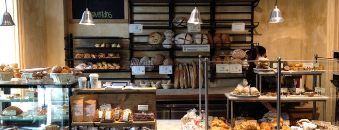 Le Pain Quotidien is one of Lugares favoritos de Helena.