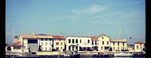 Port de Saint-Martin de Ré is one of Jas' favorite urban sites.