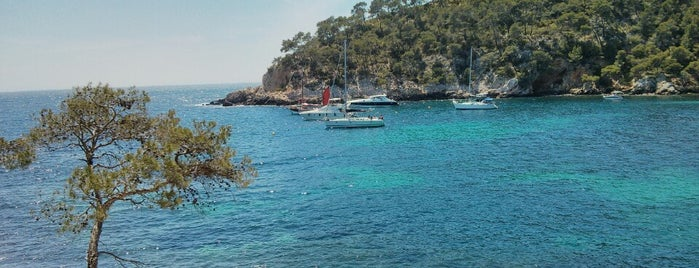 Calanque de Port d'Alon is one of Ludi's Provence.